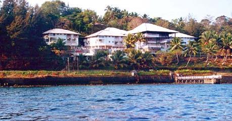 Fortune Resort Bay Island Lake