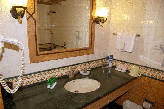 Bathroom in Fortune Resort Sullivan Court Ooty