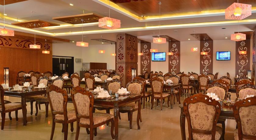 Dining3 in Fortune Select Grand Ridge Tirupati