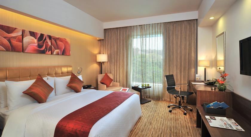 Deluxe in Four Points By Sheraton