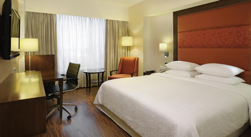 Bedroom in Four Points By Sheraton