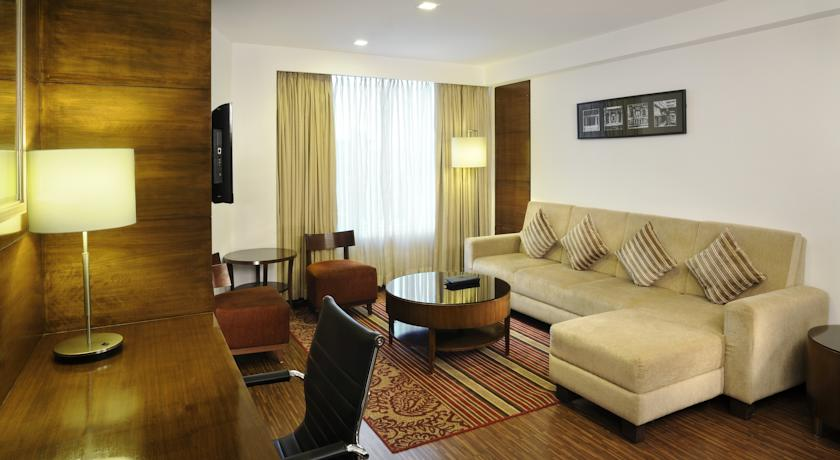 Guest room in Four Points By Sheraton