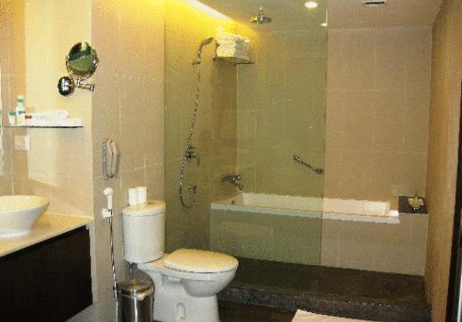Bathroom in Four Points By Sheraton Jaipur