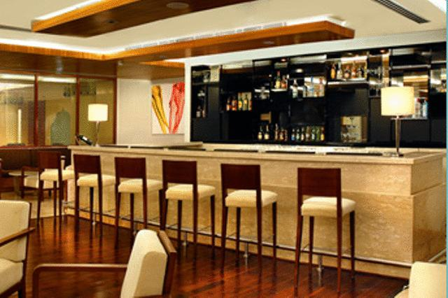 Bar in Four Points By Sheraton Jaipur