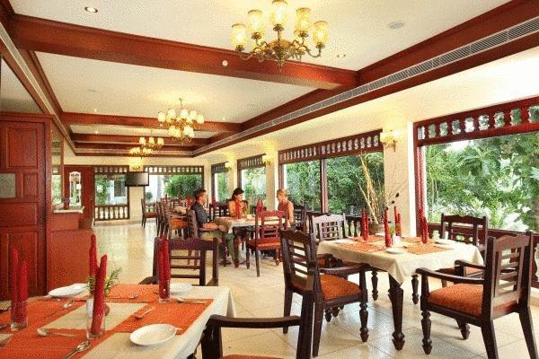 Dining3 in Fragrant Nature Hotels & Resorts