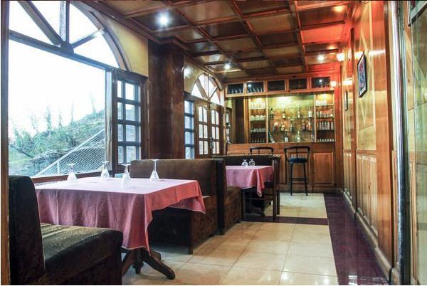 Dining in Bar Galleu Hill Resort Shimla