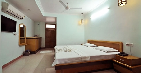 Super Deluxe Rooms in Hotel Ganesha Inn, Rishikesh