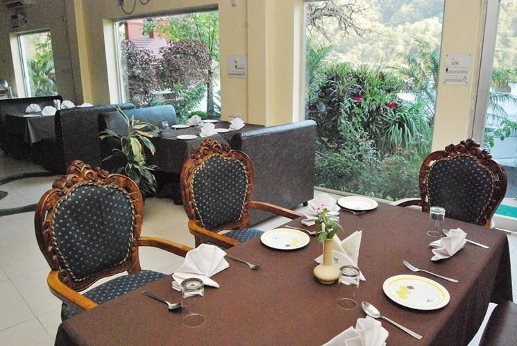 Dining in Hotel Ganga Beach Resort, Rishikesh