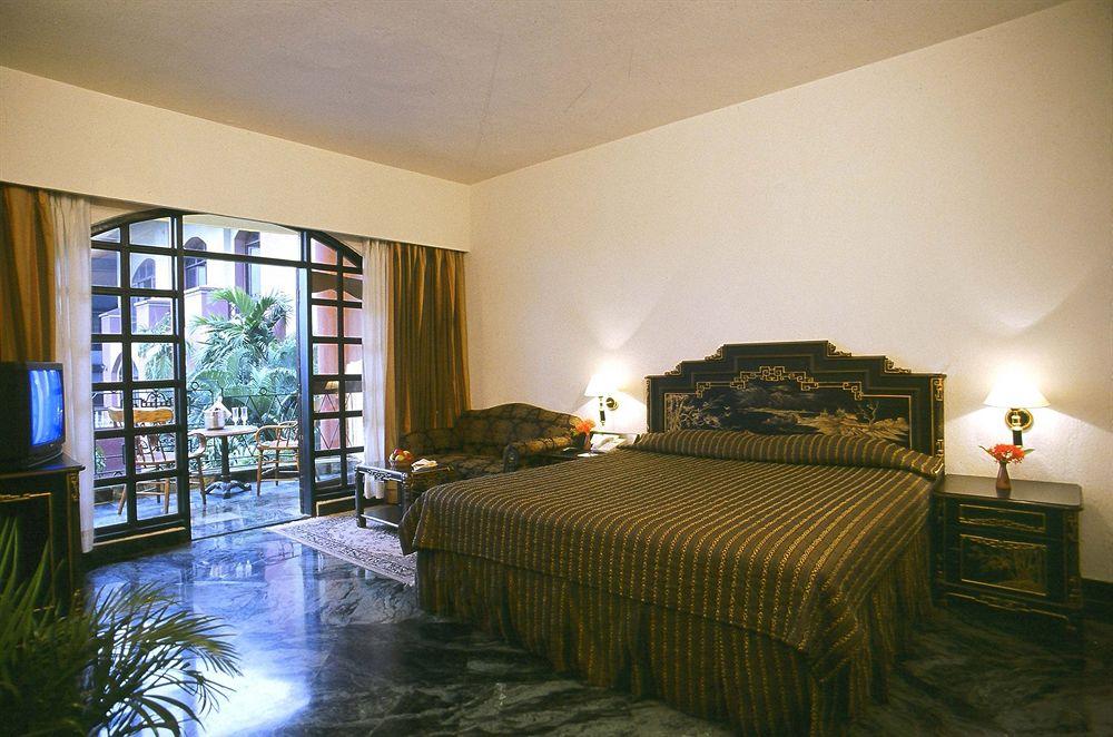 Deluxe in Golden Retreat Haldia