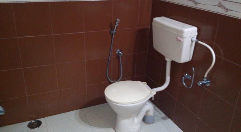 Bathroom in Hotel Golden Sands Kovalam