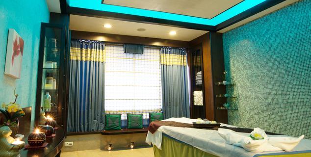 Room in Gordon House Pune