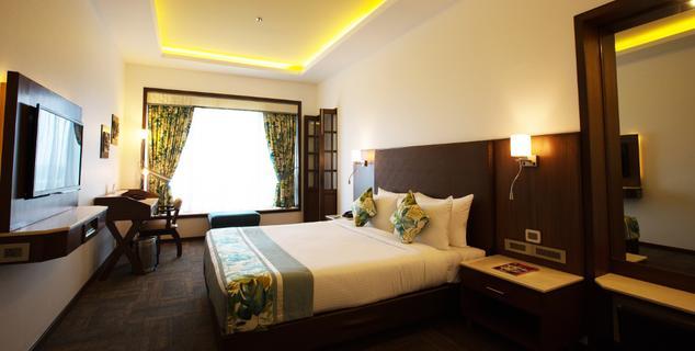 Deluxe Room in Gordon House Pune