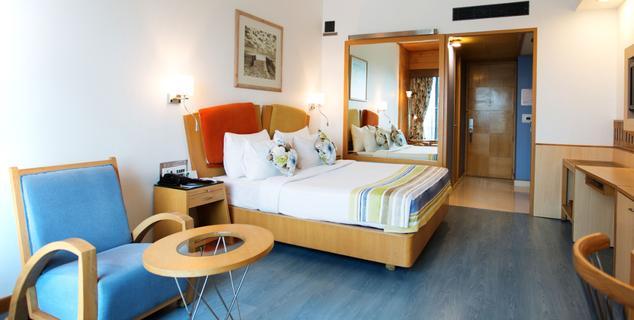 Suite in Gordon House Pune