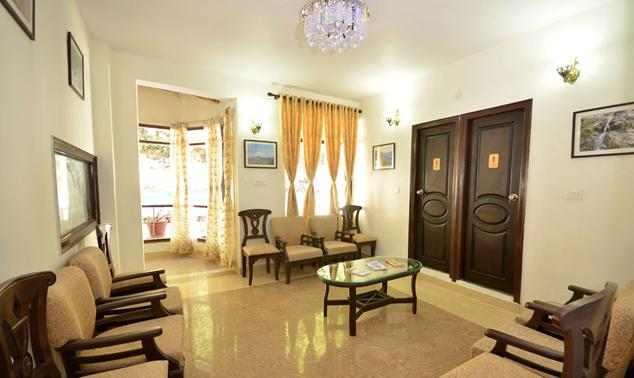 Suite Room in Hotel Green Oak Resort, Mukteshwar