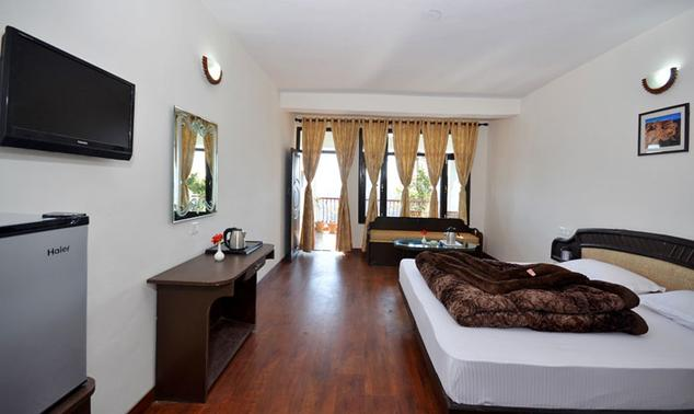 Deluxe Rooms in Hotel Green Oak Resort, Mukteshwar