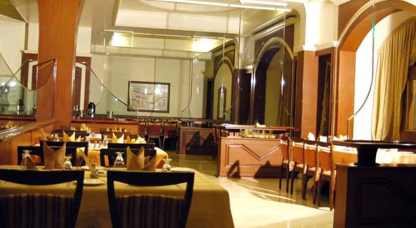 dining-Gulzar-Towers