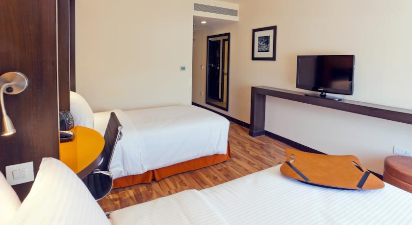 Suite in Hampton By Hilton Vadodara Alkapuri