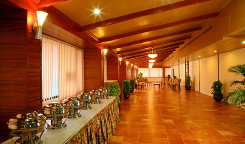 Reception in Hotel Harbour View Residency