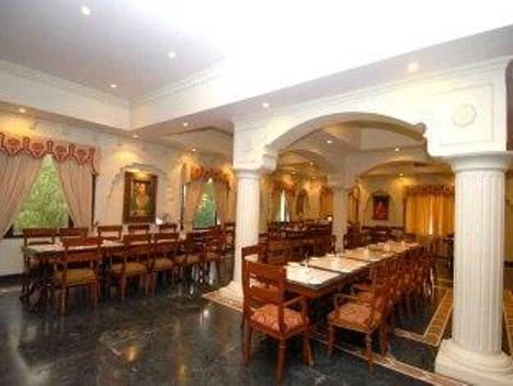 Dining in Heritage Resort, Bikaner
