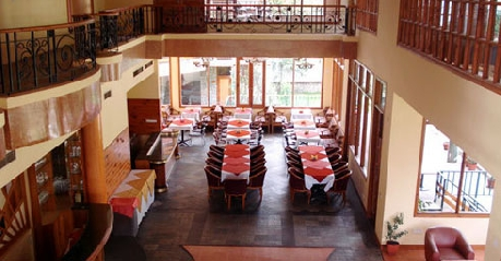 Dining in Hotel Highland Park Resort