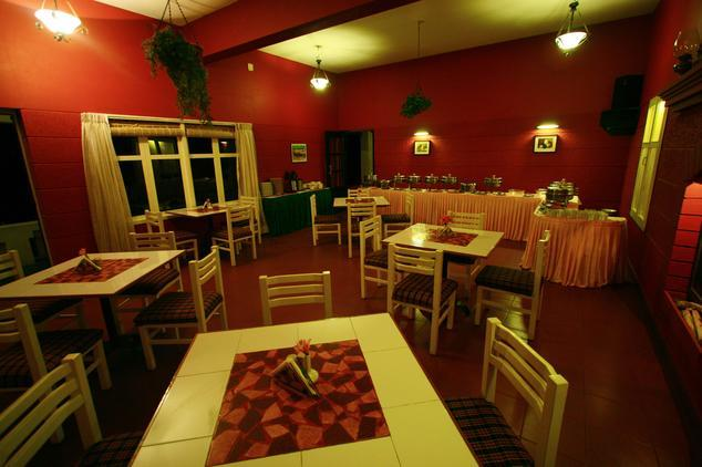 Dining in Hill Country Holiday Resort Lovedale Ooty