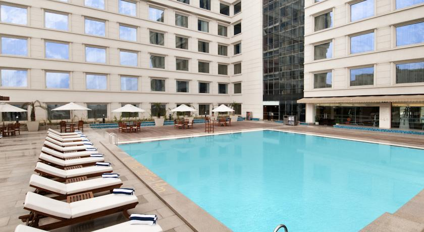 Luxury Pool in Hotel Piccadily Janakpuri