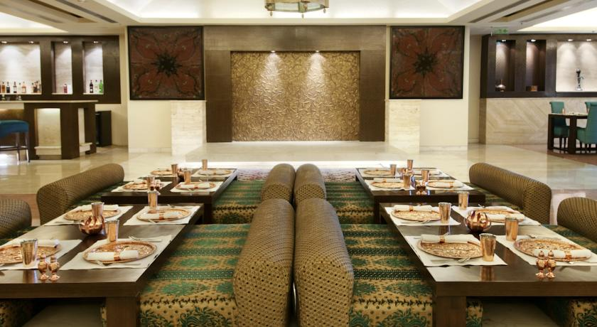 Dining3 in Hotel Piccadily Janakpuri