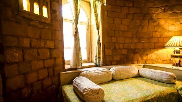 Luxury Bhurj i nHotel Himmatgarh Palace