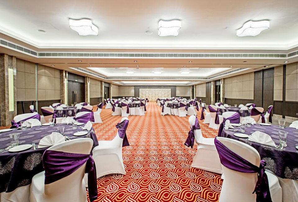 holiday-inn-amritsar-ranjit-avenue-meeting-room