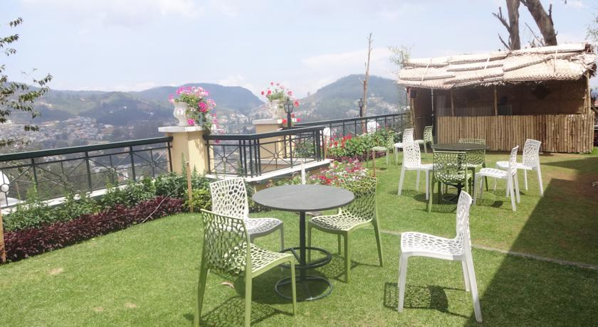 Balcony in Hotel Gem Park Ooty