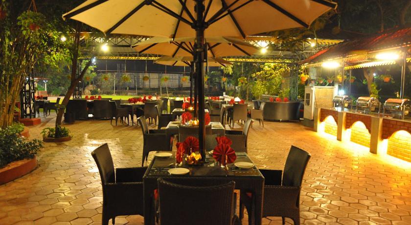 Dining in Hotel Aalankrita