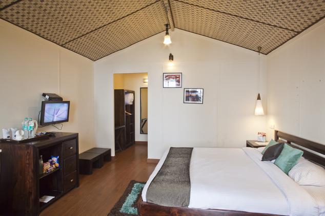 Deluxe Suites in Hotel Aamod