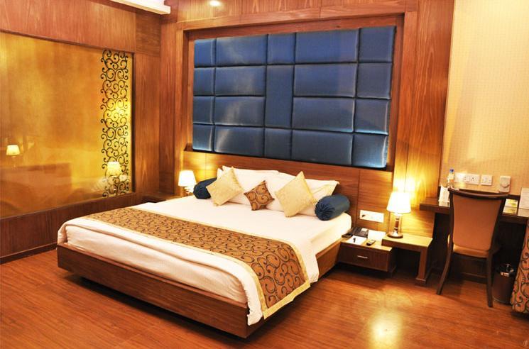 Royal Suite in Hotel Aananda Imperial