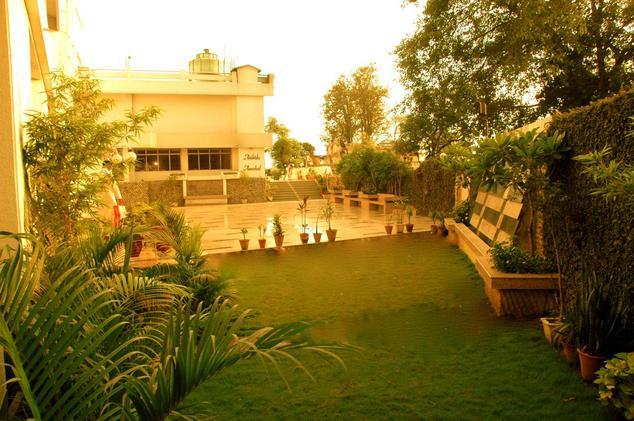 Hotel Ajanta Continental Dehradun2