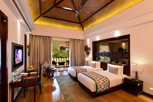 Deluxe-Rooms-in-Hotel-Ajanta,-Udaipur
