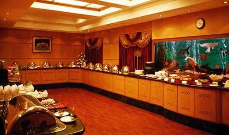 Restaurant in Hotel Alankar Grande