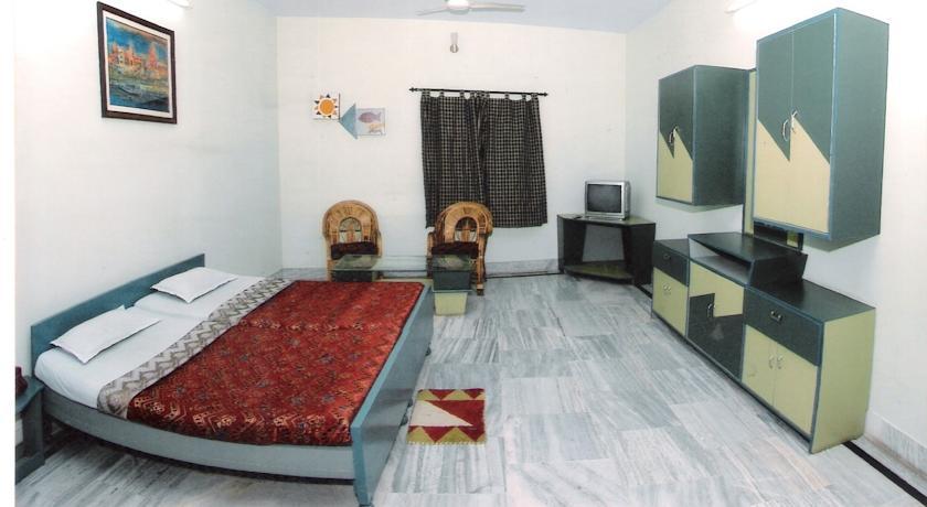 Deluxe AC Room in Hotel Alka, Varanasi