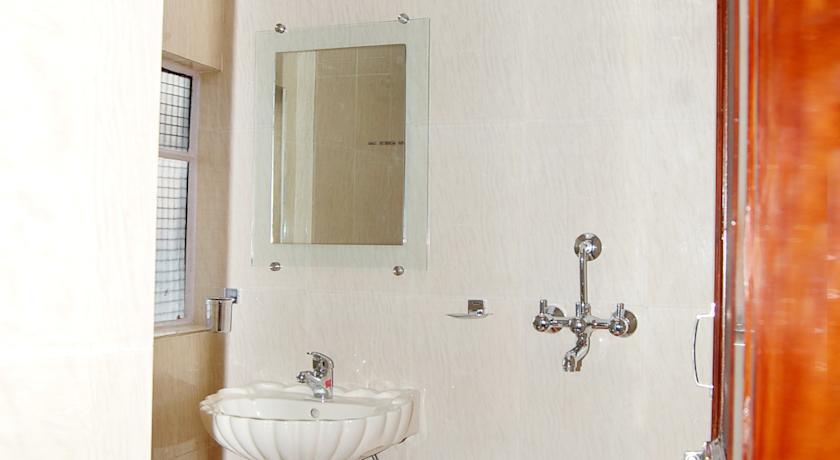 Bathroom in Hotel Alka, Varanasi