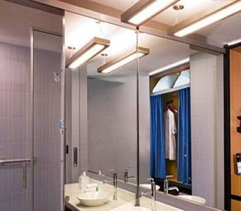 bathroom in Hotel Aloft, Chandigarh