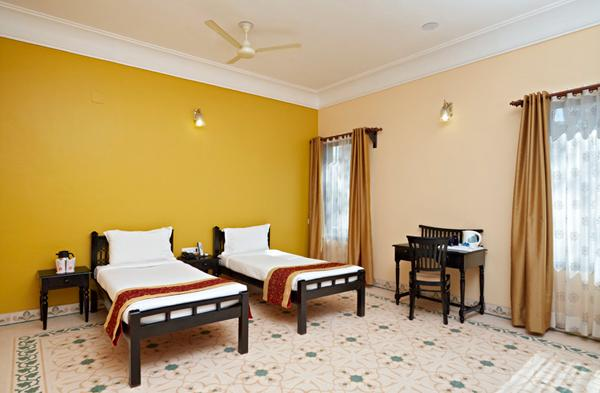 Suite Room in Hotel Alwar Bagh