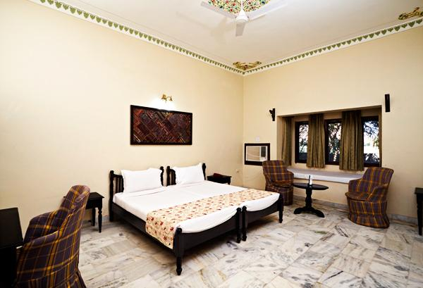 Super Deluxe Room In Hotel Alwar Bagh
