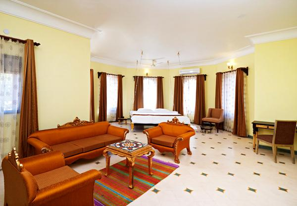 Guest Room in Hotel Alwar Bagh