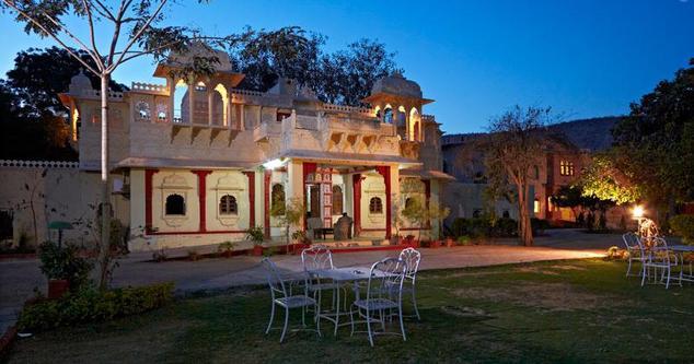 Hotel Alwar Bagh2