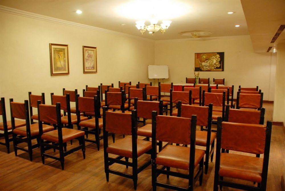Meeting in Hotel Amarpreet