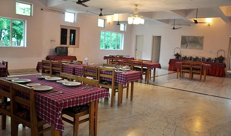 Dining in Hotel Amrit Resort