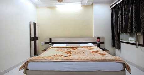 ECO AC Rooms in Hotel Anand Jhansi