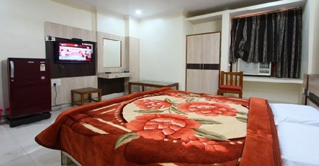 AC Deluxe Room in Hotel Anand Jhansi