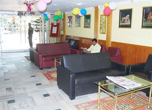 Reception in Hotel Arya Palace2