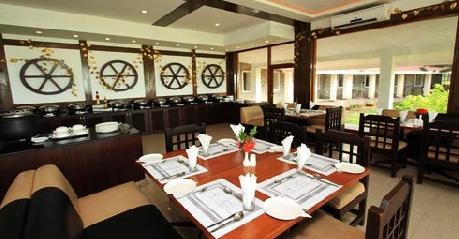 Dining in The Ashok Beach Resort