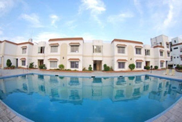 Simming in Hotel Atithi, Aurangabad